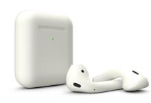 white-earphone